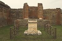 Pompeje - Światynia Wespazjana