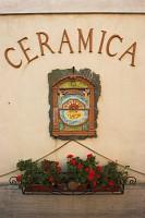 zakład produkcji bardzo popularnej tutaj ceramiki