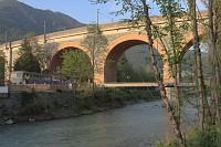wiadukt kolejowy przy którym mieszkalismy (pociagi nie przeszkadzały w spaniu)